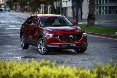 "2020 Mazda CX-30 earns IIHS ""TOP SAFETY PICK"" award (CNW Group/Mazda Canada Inc.)"