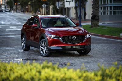 Le Mazda CX-30 2020 reçoit le prix « MEILLEUR CHOIX SÉCURITÉ » de l'IIHS (Groupe CNW/Mazda Canada Inc.)
