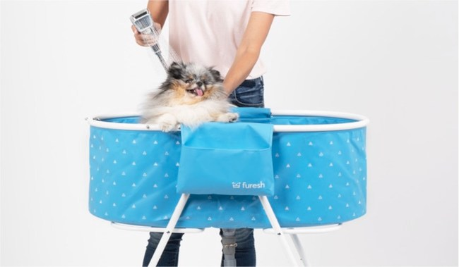 Elevated design puts your dog above waist level and gives you 360-degree access, making bathing your dog at home easy.