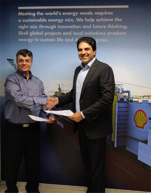 INOX India and SHELL Energy India sign MOU for delivery of LNG through road transport  and LNG as Fuel for heavy duty transport.  In the picture (L) Mr. Ashwani Dudeja – Country Head, SHELL Energy India and  (R) Mr. Siddharth Jain – Executive Director, INOX India.