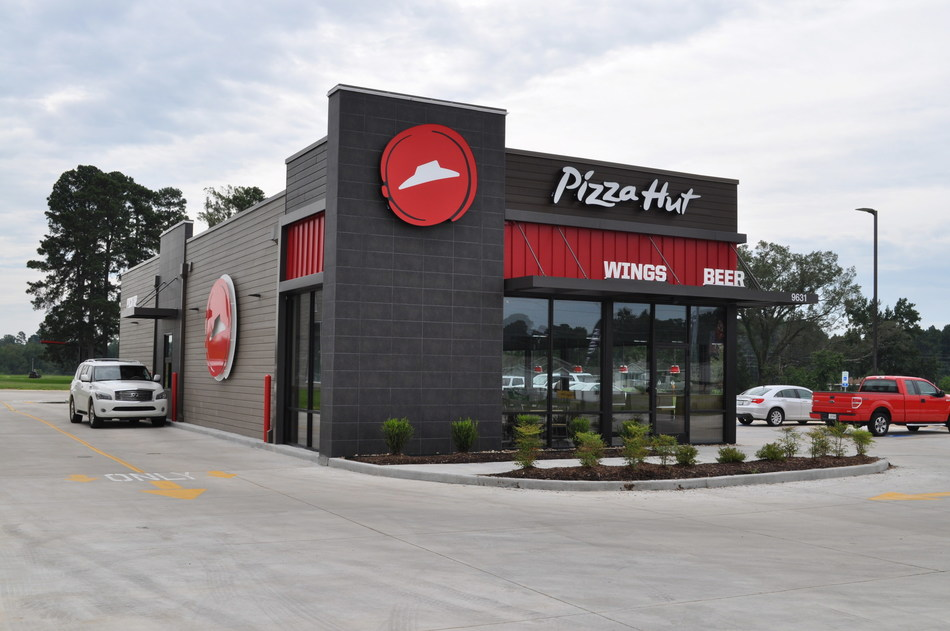 Pizza Hut announces its hiring for more than 30,000 permanent positions nationwide, and offering Contactless Delivery for those looking for safe, fast, and reliable food options.