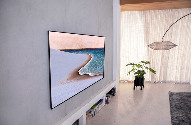The Red Dot Best of the Best winner in the product design category features LG's luxurious gallery design which enables the art-inspired slender TV to sit flush on the wall, offering new decorating and installation possibilities.