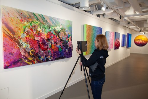 Gallery Assistant films for HOFA's new virtual art experiences and exhibition tours