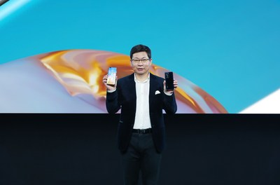 Richard Yu, director ejecutivo del Huawei Consumer Business Group, presentó la serie P40 de HUAWEI (PRNewsfoto/Huawei Consumer Business Group)