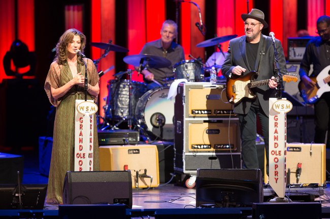 Free Saturday Concert: SLING TV to Stream Grand Ole Opry featuring Vince Gill, Amy Grant, Jenny Gill and Corrina Grant Gill