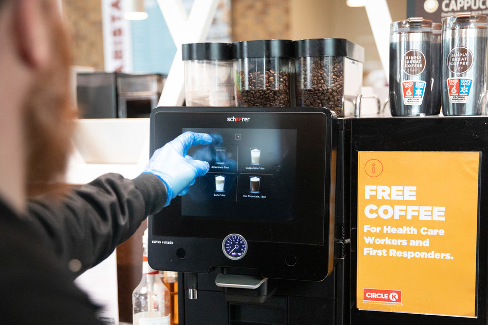 Free Coffee, Tea, and Polar Pop is offered to health care and emergency services workers, as well as Circle K employees. (CNW Group/Alimentation Couche-Tard Inc.)