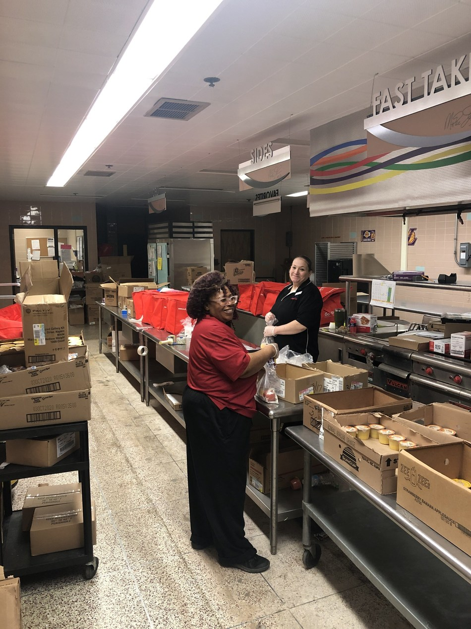 Sodexo employees in the U.S. and Canada are doing amazing work for their local communities. In Flint, MI, the SodexoMAGIC team prepares nearly 6,000 meals daily for families in need.  New services and programs were announced today by Sodexo to aid employees during this pandemic.
