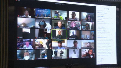 The anti-epidemic experts from Beijing, Shanghai, and Guangzhou and Fosun Healthcare Group communicated with frontline hospital representatives and healthcare experts from countries and regions, such as the US, the UK, Portugal, India and African countries online.
