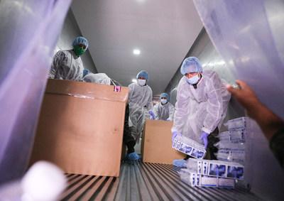 Honduras transporta a Centroamérica y República Dominicana pruebas de detección de coronavirus donadas por BCIE