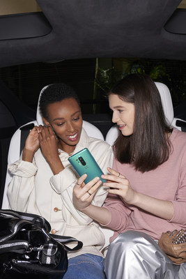 The OnePlus 8 Pro is the newest addition to the company's ultra-premium flagship lineup. From the industry-leading 120Hz refresh rate display to the latest Qualcomm Snapdragon 865, every aspect was carefully calibrated to meet the needs of the most discerning tech enthusiast, with a refined flagship experience. (PRNewsfoto/OnePlus)