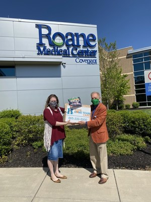 Dr. John Staley and Sonya Gunther delivering PPE to Roane County Medical Center
