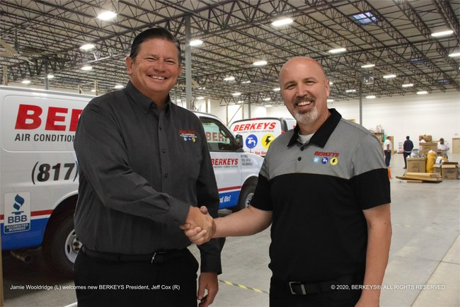Jamie Wooldridge (L) welcomes new BERKEYS President, Jeff Cox (R)