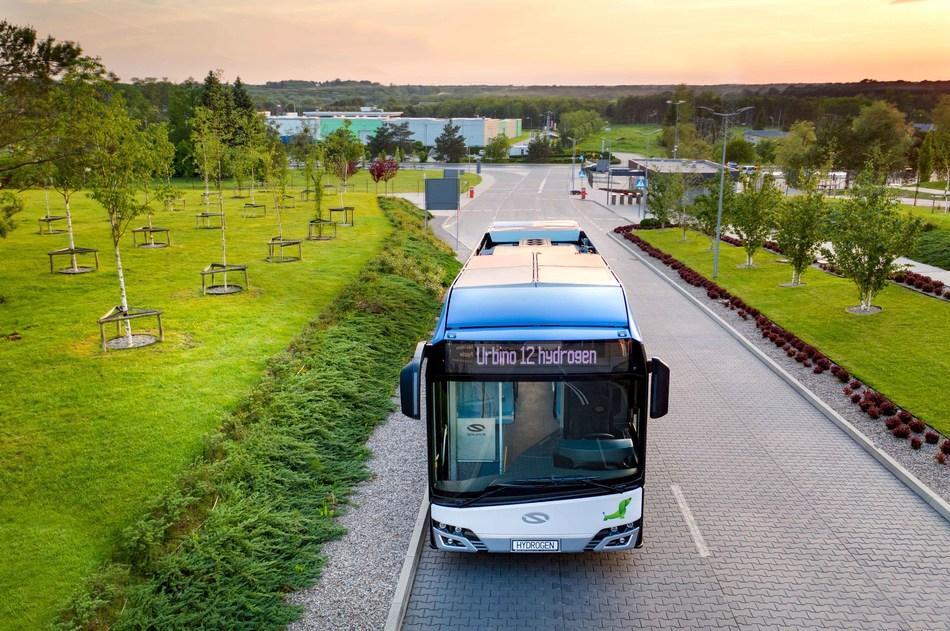 Solaris 'Urbino 12 hydrogen' Fuel Cell Electric Bus (CNW Group/Ballard Power Systems Inc.)