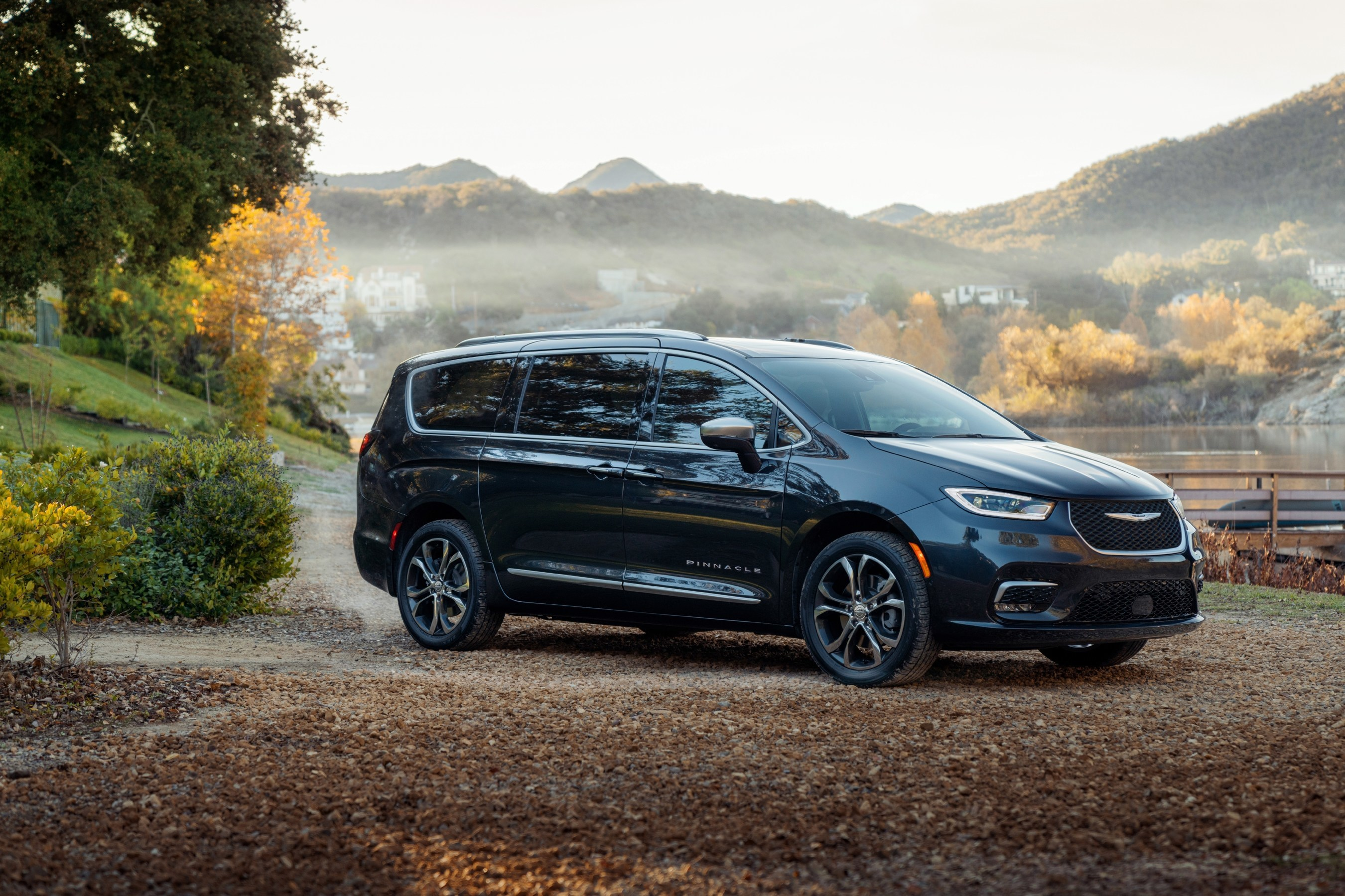 New 2021 Chrysler Pacifica Named Best