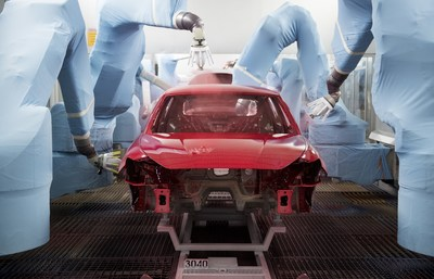 The wellness centre for cars: 84 robots do all the spraying (PRNewsfoto/SEAT)