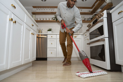 Microfiber mop heads and cloth are recommended for household cleaning.