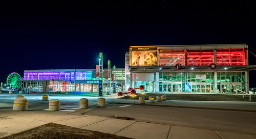 The Science Centre is celebrating its 20th anniversary with experiments and movies to enjoy at home (CNW Group/Montreal Science Centre)