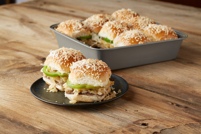 White Castle's head chef releases Top 10 Slider-based recipes in honor of National Hamburger Month, including a recipe for a Hawaiian Castle Bake. Take a little rice, Macadamia nuts, teriyaki sauce, green bell pepper and crushed pineapple to turn Sliders into a Hawaiian treat!   More details at https://www.whitecastle.com/craver-nation/recipes.