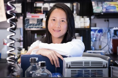 Gladstone Visiting Scientist Nadia Roan and her team found that CD127 cells found in tissues, such as lymph nodes, could be a potential target for an HIV cure.