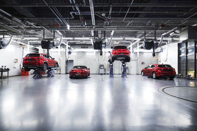 Mazda extiende su programa Essential Car Care para los héroes del cuidado de la salud.