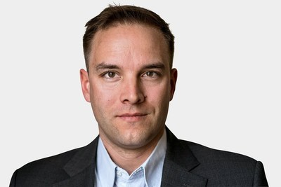 Nathan VanderKlippe, Asia correspondent for The Globe and Mail, will be in conversation with J-Talks Live webcast host Anna Maria Tremonti on May 7. (CNW Group/Canadian Journalism Foundation)