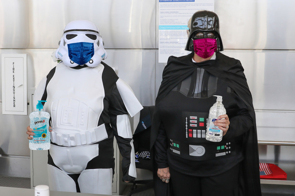 Travelers and guests reminded to wear face coverings at Ontario International Airport