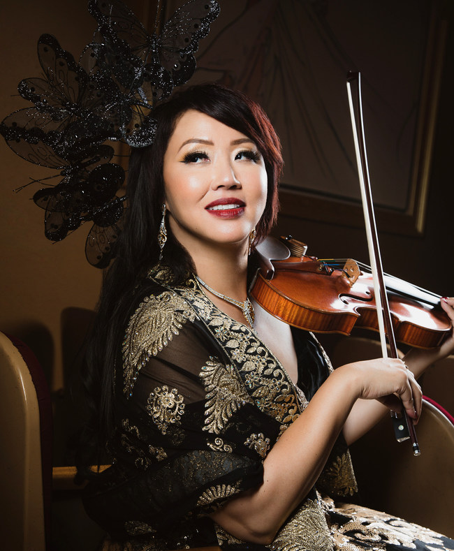 Virtuoso violinist, concert pianist, 13-language soprano Maki Mae.