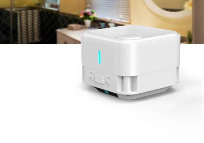 The touch-less infrared sanitizer to prevent cross-infection