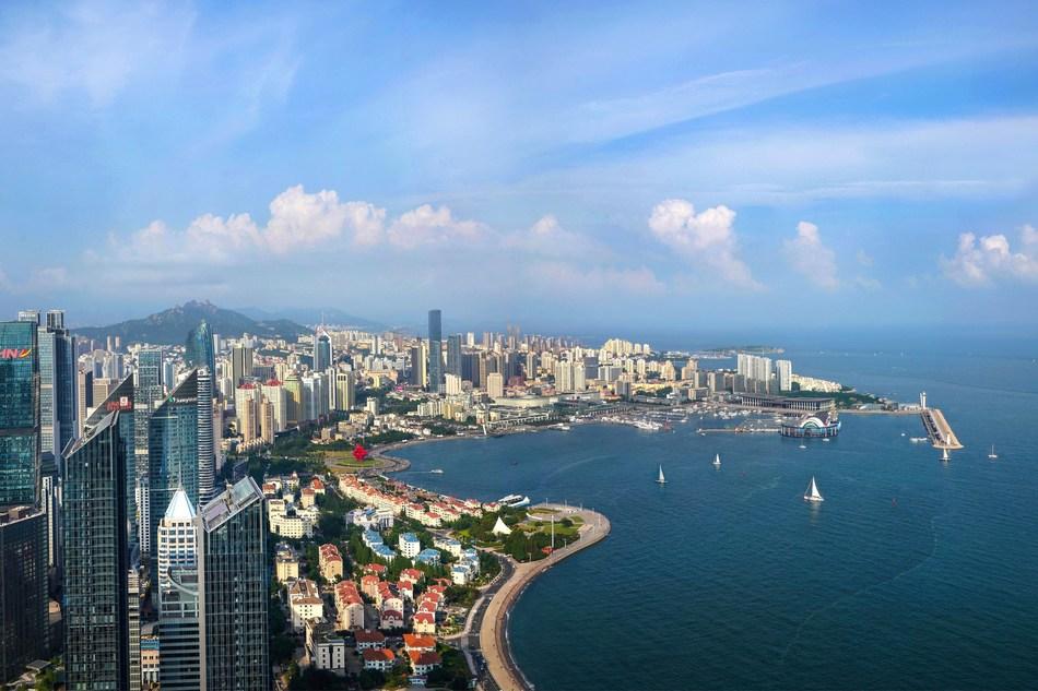 The eastern coastal city of Qingdao amid gentle breeze in May (PRNewsfoto/Stadt Qingdao)