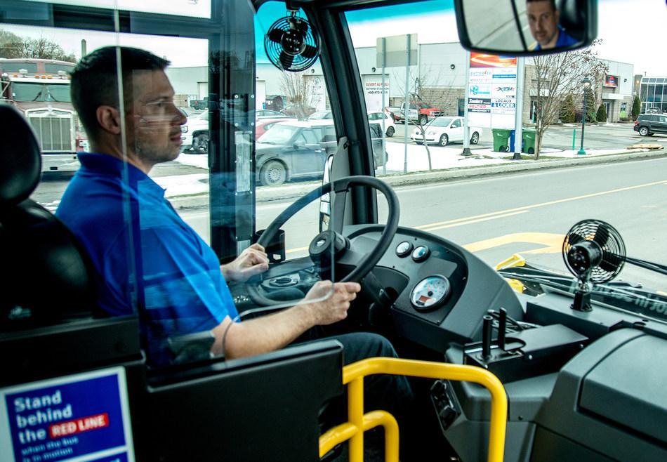 Nova Bus LFS driver barrier provides additional protection to transit operators. (CNW Group/Nova Bus)