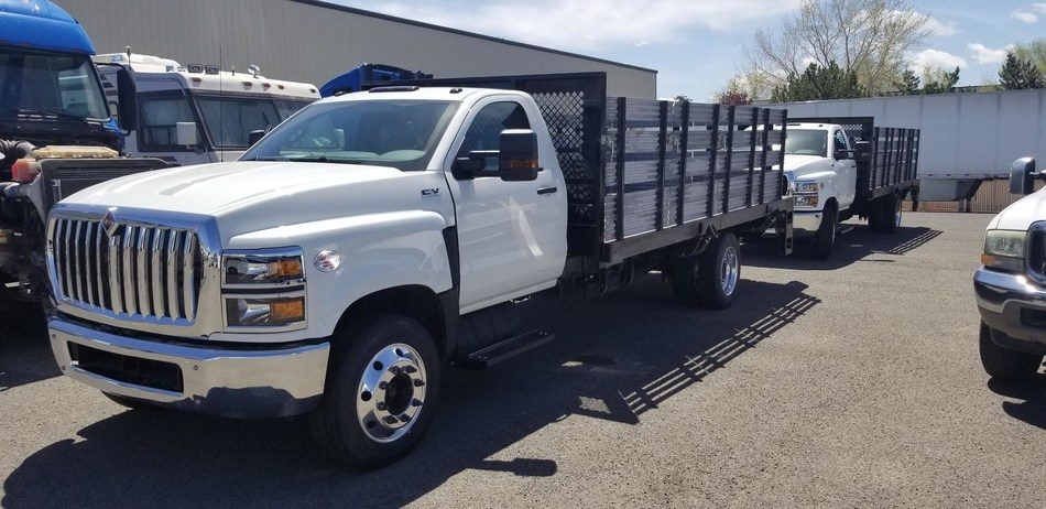 Marathon Industries and Axalta partnered to deliver truck bodies commissioned for transporting critical supplies to hospitals and other essential businesses for coronavirus relief. (PRNewsfoto/Axalta Coating Systems Ltd.)