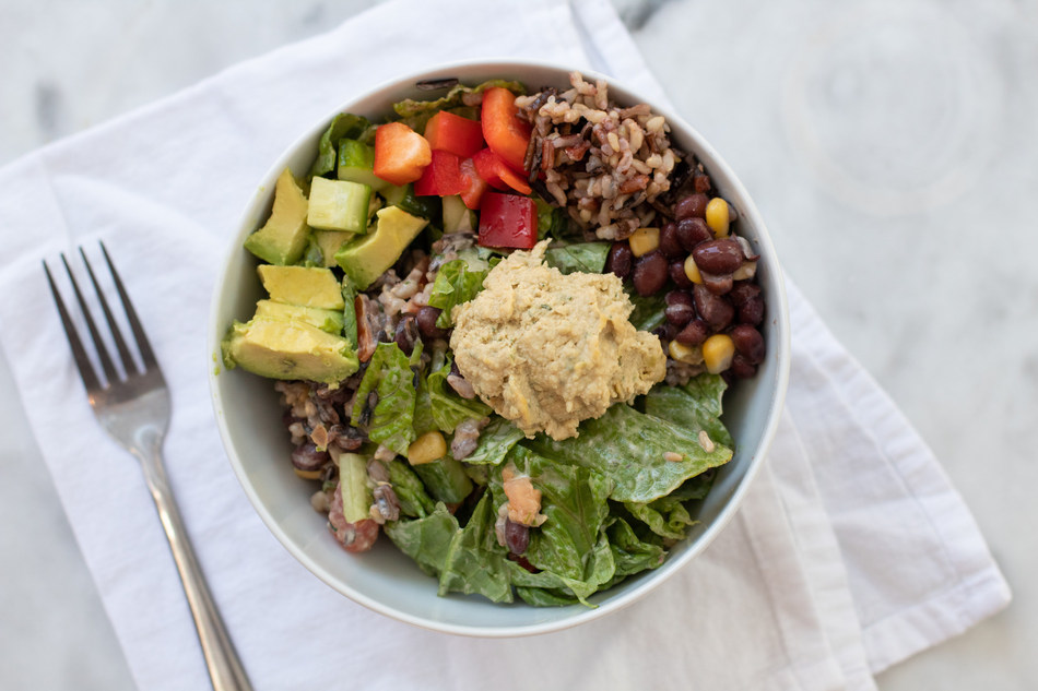 Known for its seasonal, made-from-scratch menu, the plant-based fast-casual restaurant Fruitive is now offering national franchise opportunities. (PRNewsfoto/Fruitive)