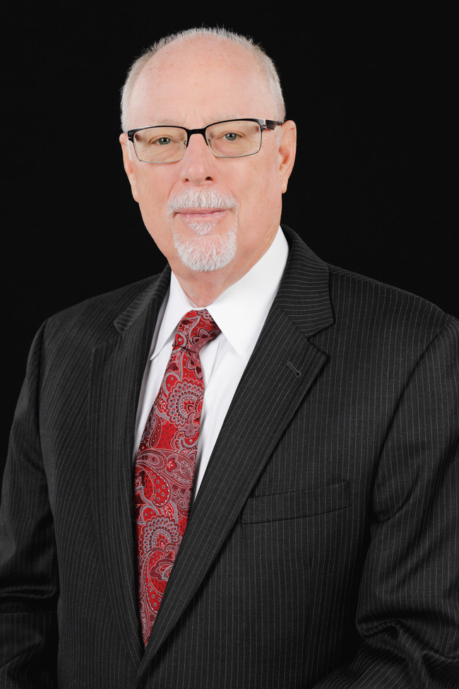 Fred Lauten, a former judge and current dispute resolution professional, is a longtime resident of Central Florida.