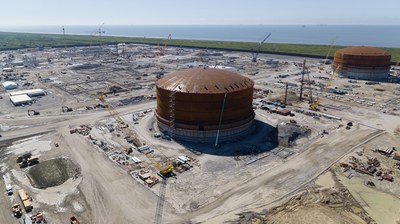 Venture Global Calcasieu Pass Announces Successful Roof Raising for Second LNG Storage Tank