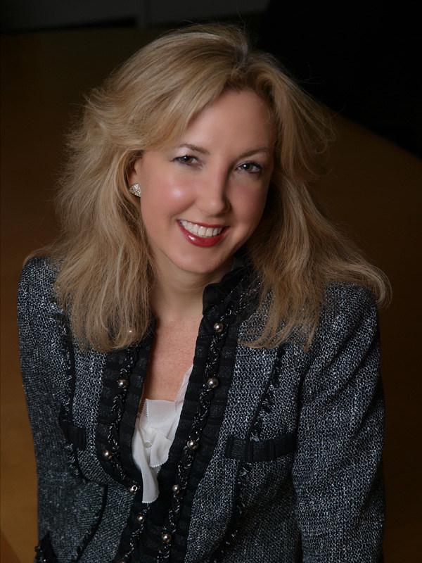 Sharon del Valle, GM KOSÉ America, Inc.