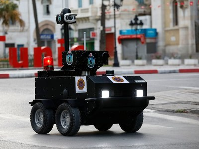 "Each police robot ""P-Guard"" is equipped with VIVOTEK most iconic 180° panoramic network camera MS9390-HV to deliver 360° zero blind-spot surround imagery while patrolling on the street. Photo credit: ENOVA Robotics"