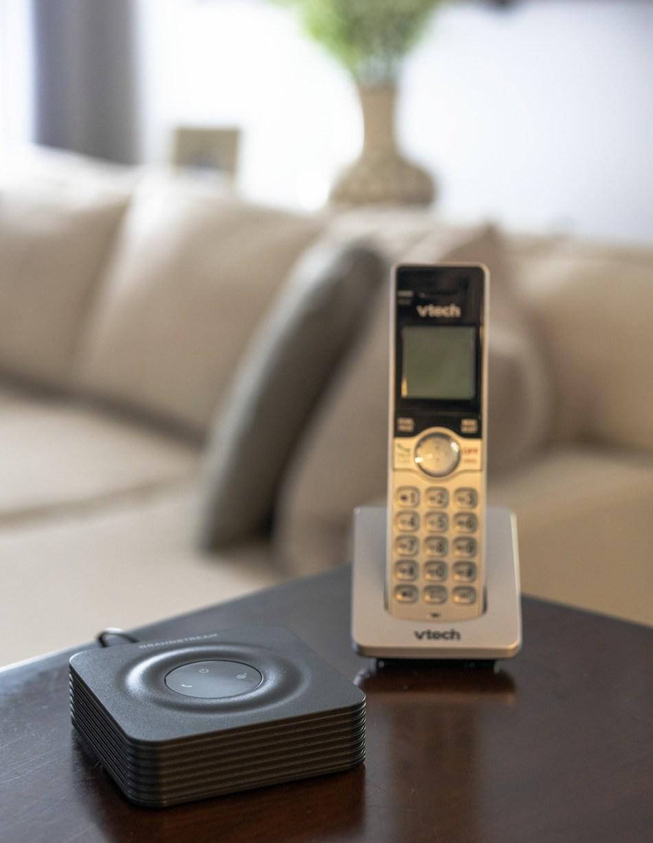 (PRNewsfoto/Republic Wireless)
