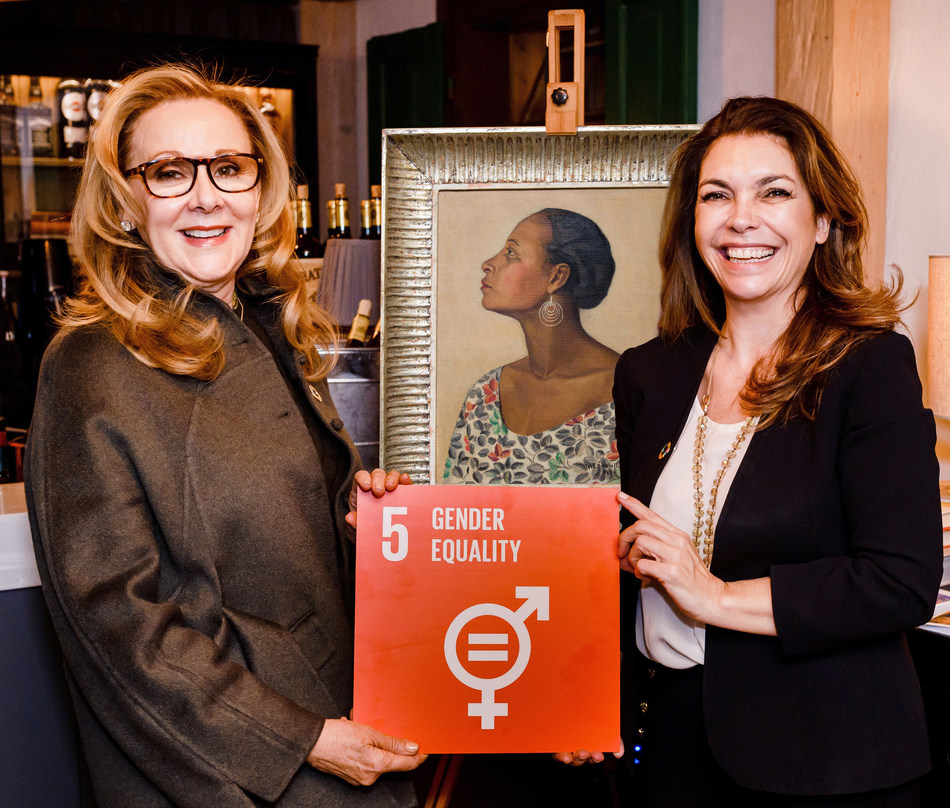 At Davos House, Switzerland January 25th, 2020, left to right: Ms. Sandi Nicholson Philanthropist and Art Collector and Ms. Elaine Brennan, Executive Director Northwell Health. Painting from the 'Women Who Dared' collection, titled Florence, by Ms. Lyla Harcoff