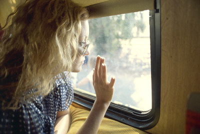 """Kate Hudson in a scene from 'Almost Famous', photo credit: The Paramount Pictures Archive; James Andrew Miller's Cadence13 Podcast Series """"Origins: Almost Famous Turns Twenty"""" Launches July 8, 2020"""