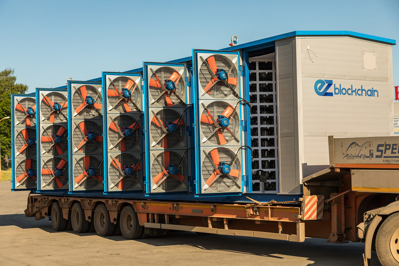 EZ Smartbox 3.0 with 2,500 KW capacity, fully mobile solution deployed on the trailer