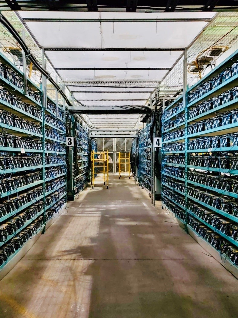 Recently installed Bitcoin mining equipment at HIVE's operation in Quebec. (CNW Group/HIVE Blockchain Technologies Ltd.)