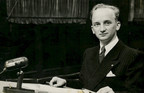 """Class of 1940's Benjamin Ferencz, aged 100, is CCNY's """"Virtual Salute"""" speaker, June 30"""