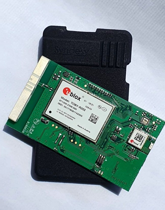SynTRAC? PL1-202 Cat 1 cellular socket modem & case