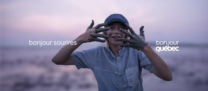 Alors que l'été est officiellement arrivé, l'industrie touristique est fière de lancer une nouvelle campagne de promotion touristique annuelle, la première aux couleurs de la signature touristique renouvelée Bonjour Québec. (Groupe CNW/Alliance de l'industrie touristique du Québec)