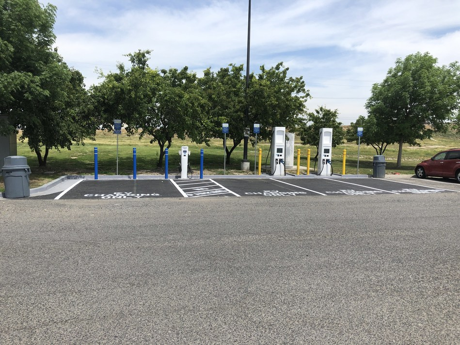 Conveniently located at the Love's Travel Stops in Ripon, Madera and Tulare the charging stations include DC fast chargers (DCFC) and level-2 chargers and use EV Connect's EV Cloud for managing the electric vehicle charging infrastructure