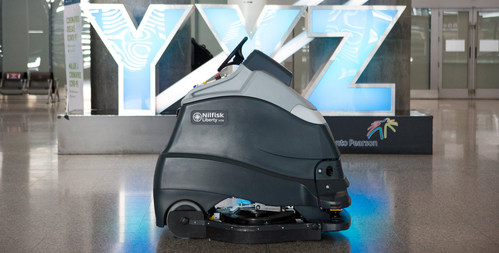 Autonomous Cleaner (CNW Group/Greater Toronto Airports Authority)