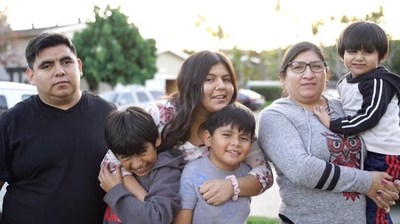 Rosalba is one of many Californians who have lost work. Her family shares a two-bedroom apartment, but they're behind on rent. For ITIN filer families United Ways of California, together with its coalition partners, urge a fully inclusive CalEITC. See also: https://youtu.be/NYeeIySAtf8
