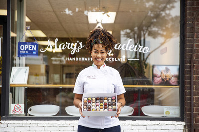 Mary's Brigadeiro in Toronto's Danforth Village welcomes customers as Amex's #ShopSmall initiative kicks off (CNW Group/American Express Canada)