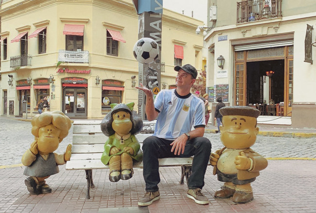 """Seen here in Buenos Aires, Brian Evans again makes history with a music video to coincide with the first ever jazz big band song about futbol (soccer). The video co-stars Lou Diamond Phillips, ICE-T, Carrot Top, and """"Breaking Bad"""" star RJ Mitte. The video now had a soft internet release pending the re-opening of soccer fields worldwide.  Photo by Andres Venegas for Andres Venegas Photography."""