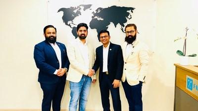 De gauche à droite - Le Dr Nilesh Patil, Varis Sayed, Rahul Pawar, le Dr Roshan Patil